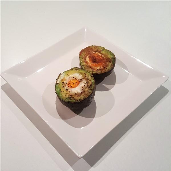 054 - Baked Avocado Egg Boat